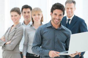 Führungskräfte und Mitarbeiter*innen